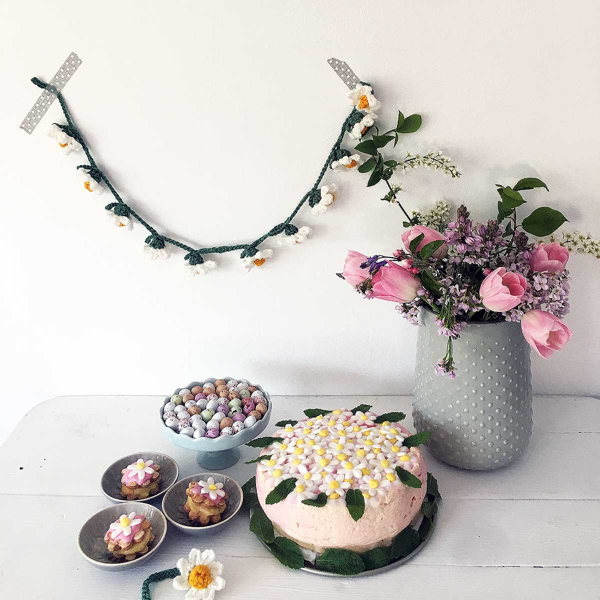Welcome Spring Daisy Garland Free Crochet Pattern Adinda S World Official Website Of Adinda Zoutman